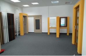 Interiér pobočky Okna Macek Prostějov